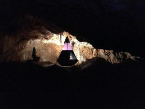 Aven grotte forestière Spélé'Hôtel tipi suspendu